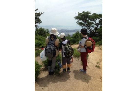 山の日にバードウォッチングが楽しめる毎日登山で賑わっている菊水山コース