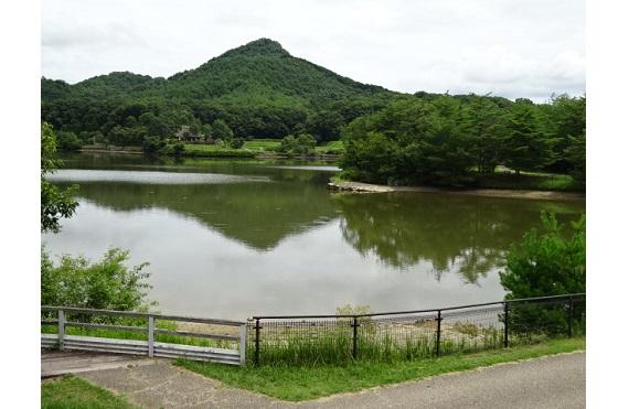 ☆5 福島大池に映る有馬富士
